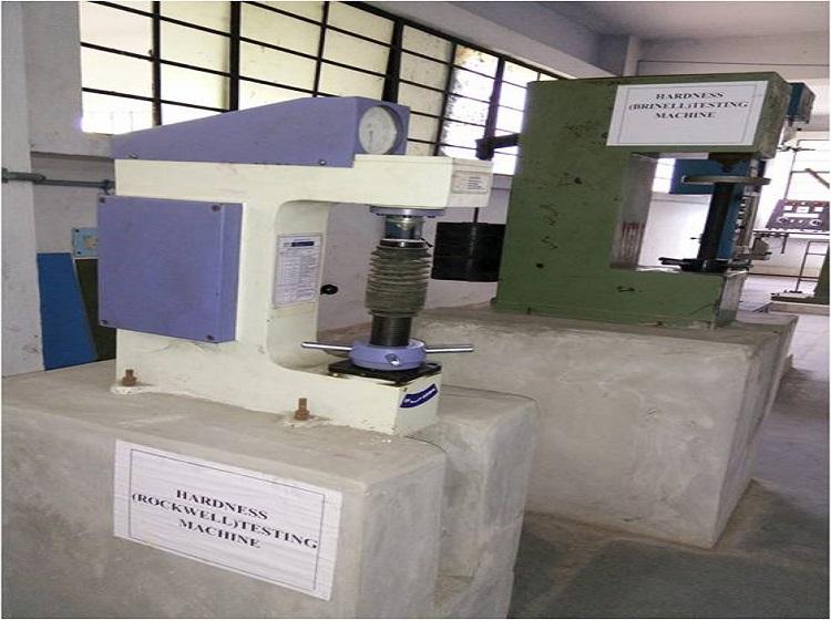 Hardness Testing (Rockwell) Machine (1)